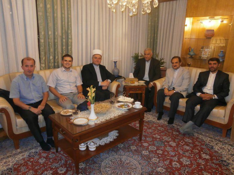 zajednička-fotografija-sa-iranskim-veleposlanikom-njegovim-suradnicima-i-muftijom-zagrebačkim.jpg